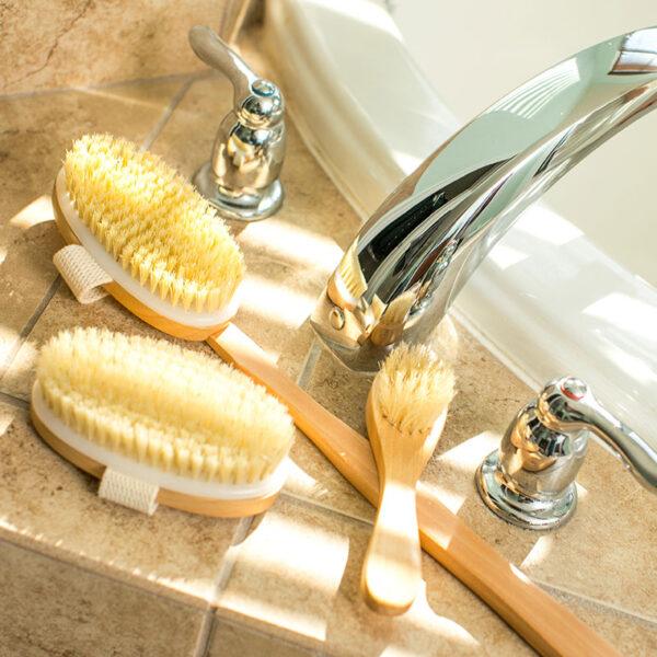 Essential Living - 3 Piece Dry Brush Set